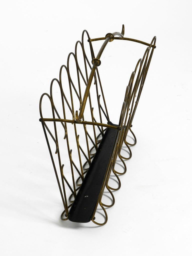 Mid-20th Century Italian Mid-Century Modern Newspaper and Magazine Rack Made of Brass For Sale