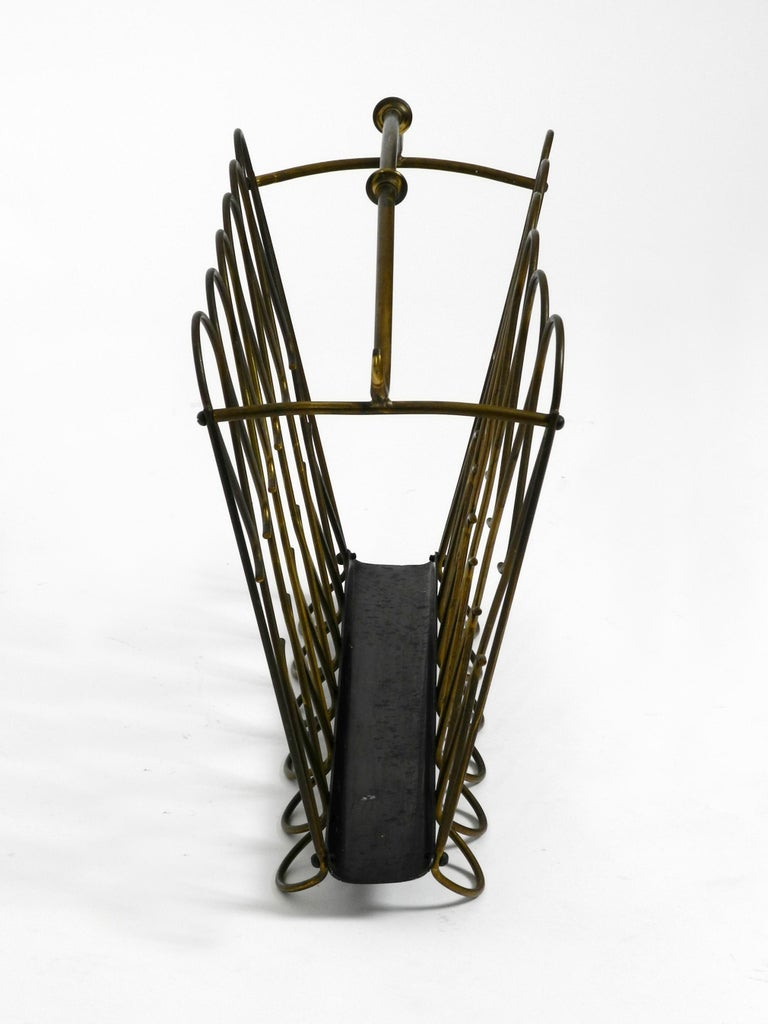 Metal Italian Mid-Century Modern Newspaper and Magazine Rack Made of Brass For Sale