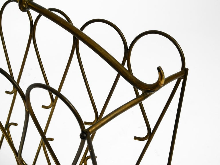 Italian Mid-Century Modern Newspaper and Magazine Rack Made of Brass For Sale 4