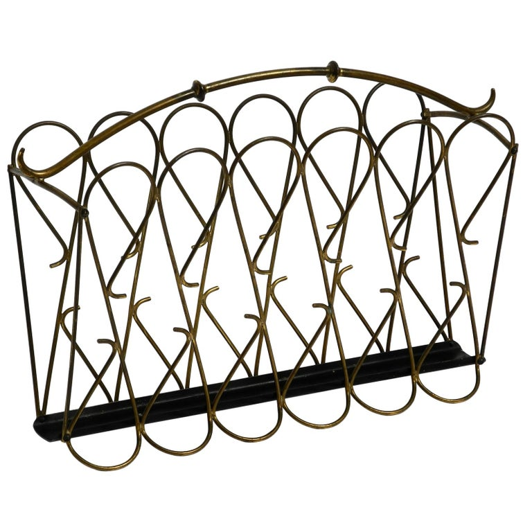 Italian Mid-Century Modern Newspaper and Magazine Rack Made of Brass For Sale