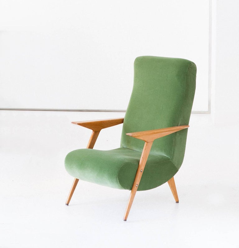 Mid-20th Century Italian Mid-Century Modern Oakwood and New Green Velvet Armchair, 1950s For Sale
