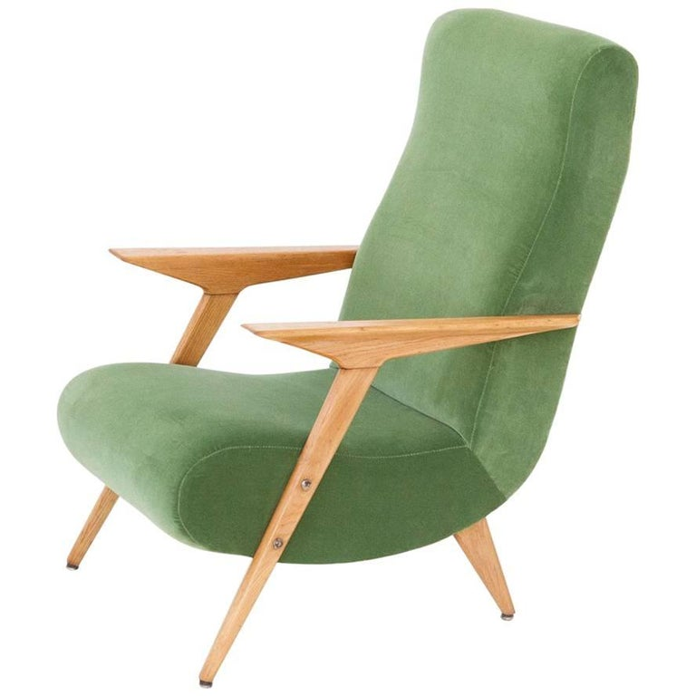 Italian Mid-Century Modern Oakwood and New Green Velvet Armchair, 1950s For Sale