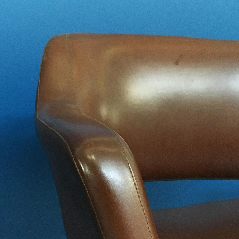 Italian Mid-Century Modern Pair of Brown Leather Armchair by Cassina, 1970s For Sale 9