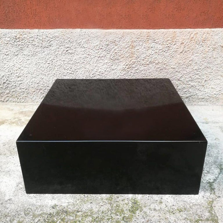 Italian Mid-Century Modern Parallelepiped in Glossy Black Plastic, 1970s In Good Condition For Sale In MIlano, IT