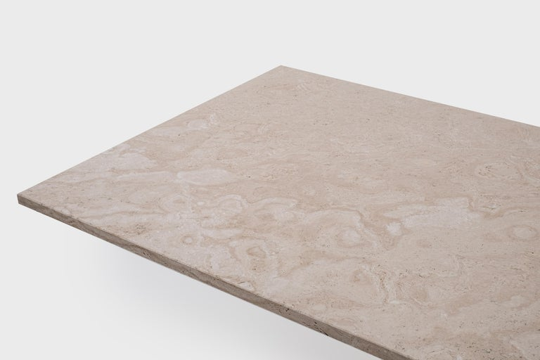 Italian Mid-Century Modern Travertine Dining Table in the Style of Carlo Scarpa For Sale 1