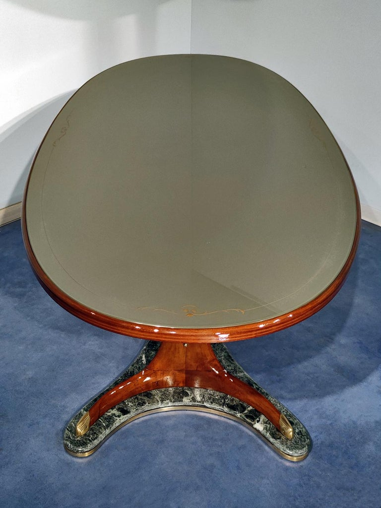 20th Century Italian Mid-Century Oval Dining Table in Hardwood by Vittorio Dassi, 1950s For Sale