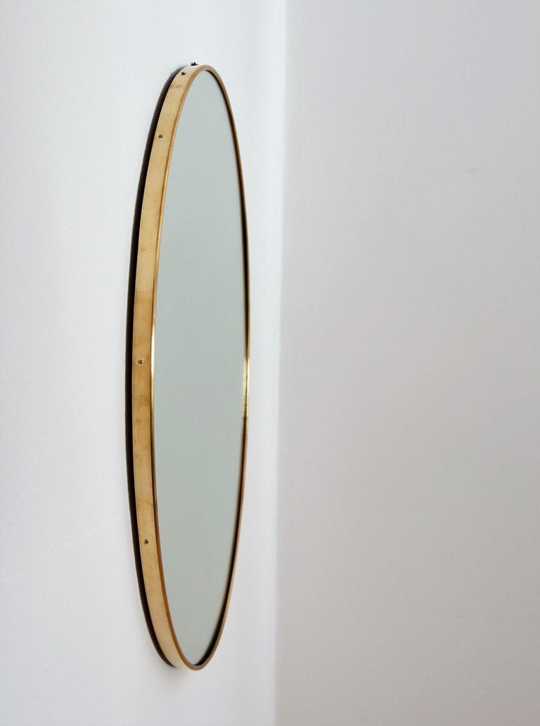 Italian Midcentury Oval Wall Mirror with Brass Frame, 1950s For Sale 1
