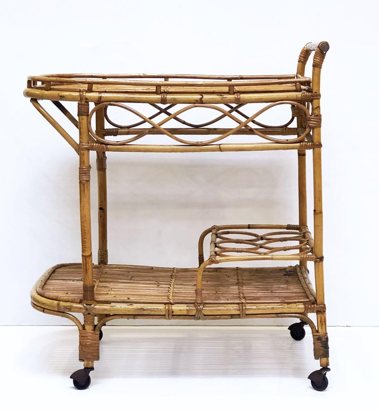 Italian Midcentury Rattan Cane and Bamboo Drinks Cart For Sale 4