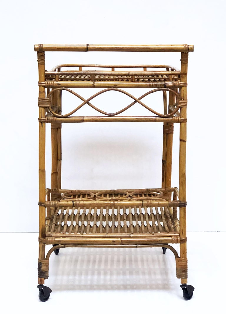 Italian Midcentury Rattan Cane and Bamboo Drinks Cart For Sale 7