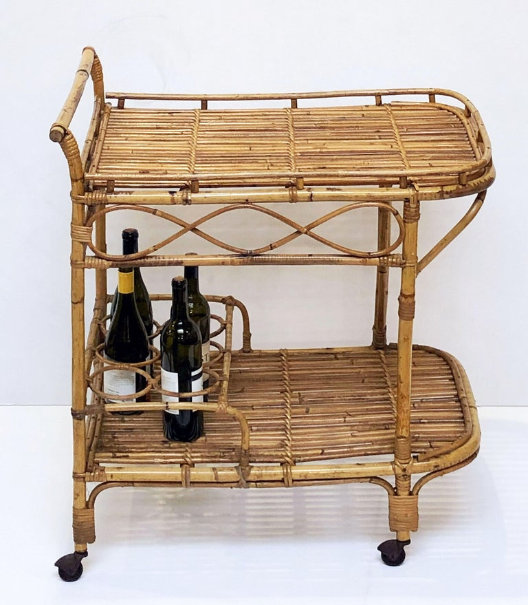 Italian Midcentury Rattan Cane and Bamboo Drinks Cart For Sale 1
