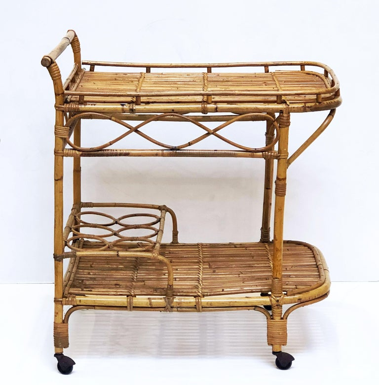 Italian Midcentury Rattan Cane and Bamboo Drinks Cart For Sale 2