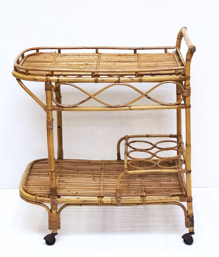 Italian Midcentury Rattan Cane and Bamboo Drinks Cart For Sale 3