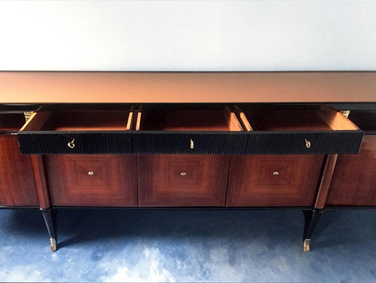 Italian Midcentury Rosewood Buffet or Sideboard by Paolo Buffa, 1950s For Sale 8