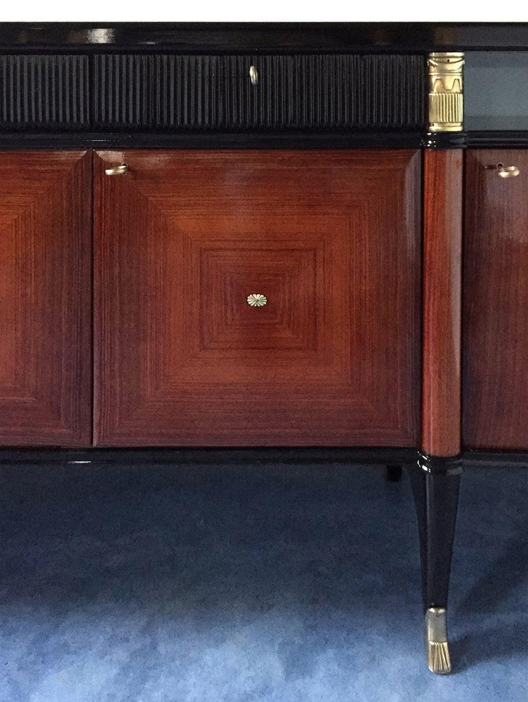 Italian Midcentury Rosewood Buffet or Sideboard by Paolo Buffa, 1950s For Sale 12