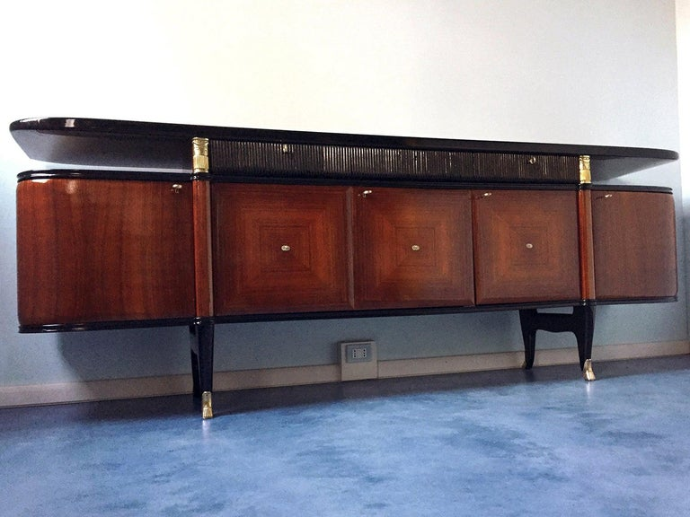Italian Midcentury Rosewood Buffet or Sideboard by Paolo Buffa, 1950s For Sale 2