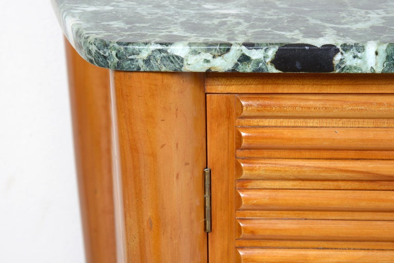 Italian Midcentury Rounded Sideboard with Grooved Front and Marble Top For Sale 7