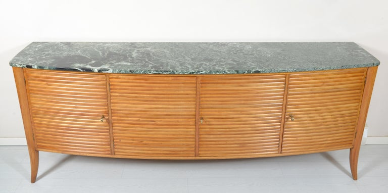 Italian Midcentury Rounded Sideboard with Grooved Front and Marble Top In Good Condition For Sale In Firenze, IT