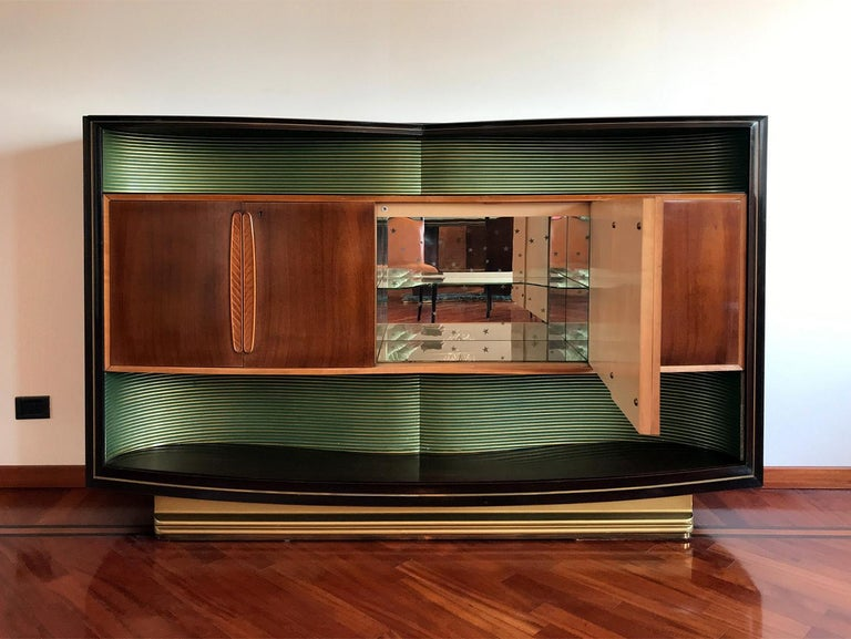 Italian Mid-Century Sideboard Art Déco style by Vittorio Dassi, 1950s In Good Condition For Sale In Traversetolo, IT