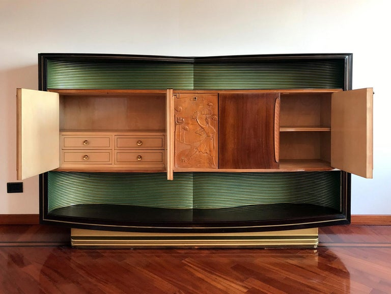 20th Century Italian Mid-Century Sideboard Art Déco style by Vittorio Dassi, 1950s For Sale
