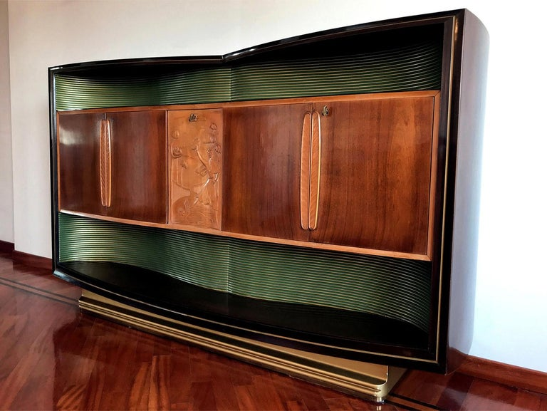 Italian Mid-Century Sideboard Art Déco style by Vittorio Dassi, 1950s For Sale 1