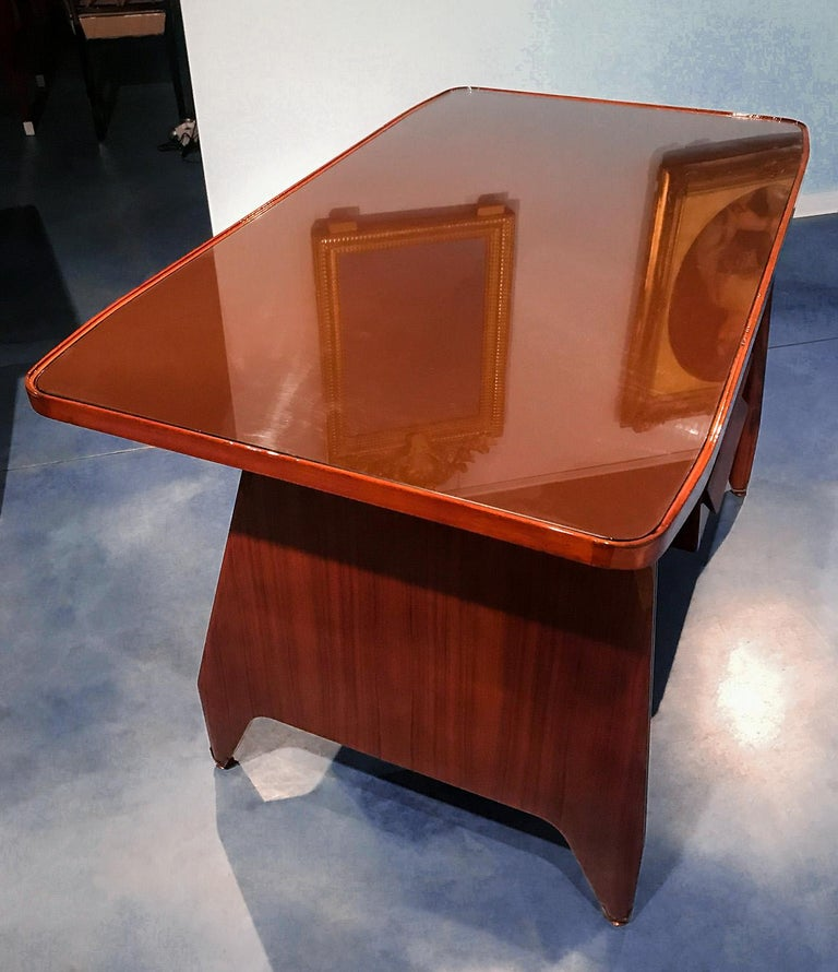 Italian Midcentury Small Walnut Writing Desk by Vittorio Dassi, 1950s For Sale 4