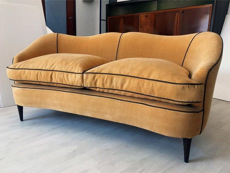 Italian Mid-Century Sofa Two-Seat in Yellow Velvet, 1950s 4