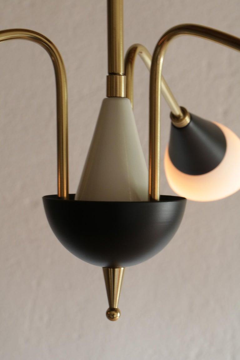 Italian Mid-Century Chandelier Pendant Lamp Attributed to Stilnovo, 1960s For Sale 4