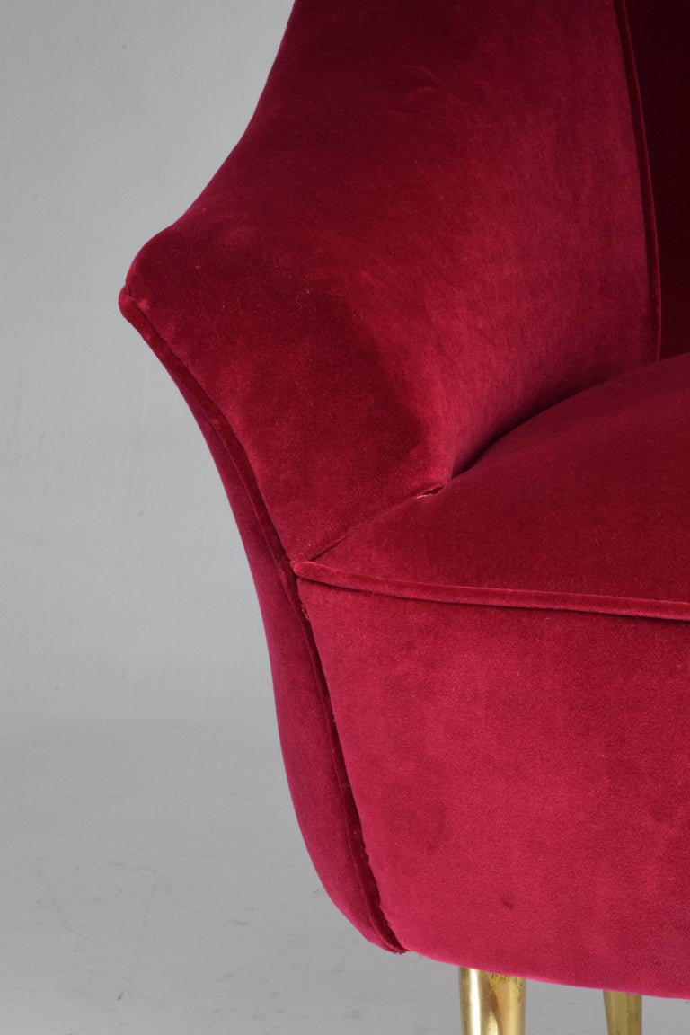 Italian Mid-Century Velvet Armchair, 1950s For Sale 5