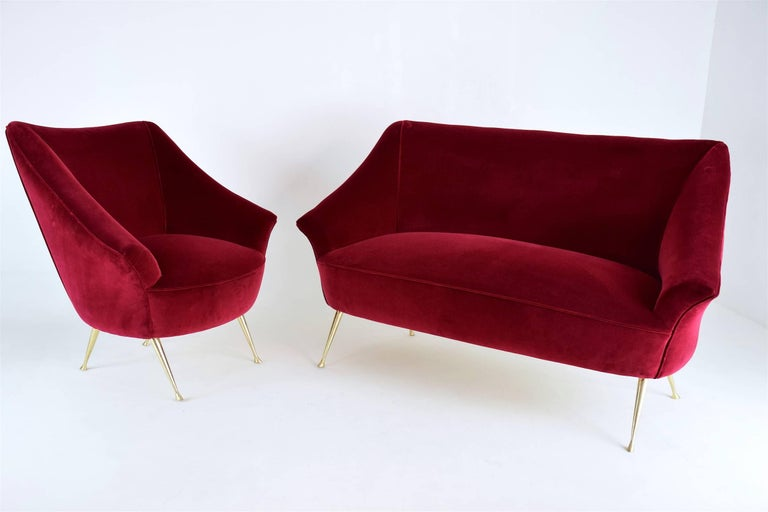 Italian Mid-Century Velvet Armchair, 1950s For Sale 10