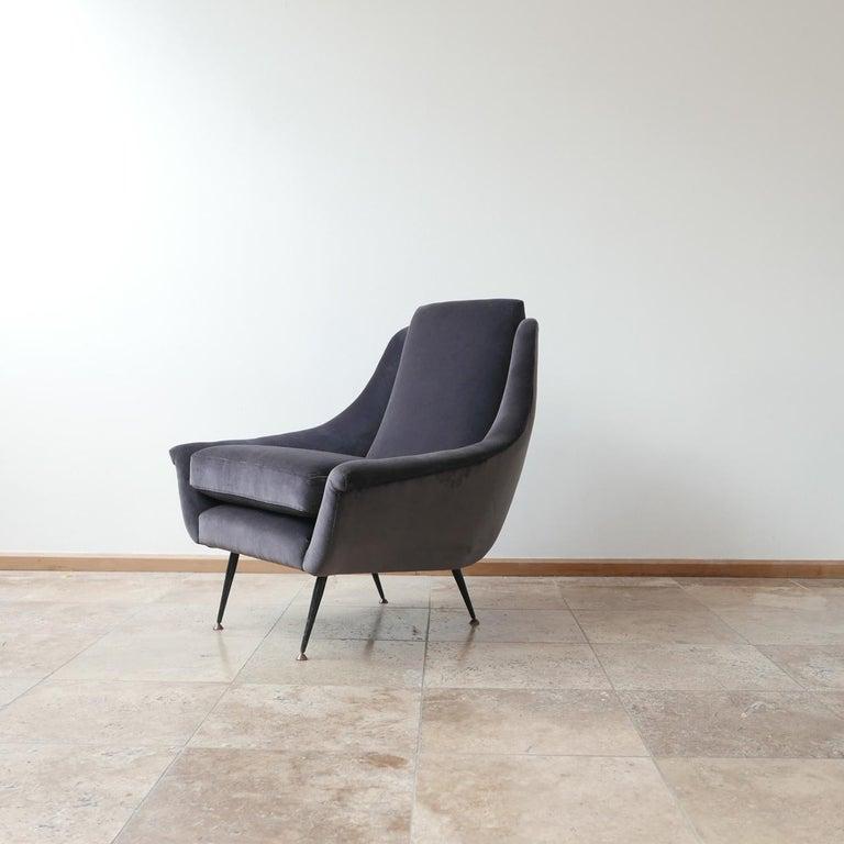 Italian Midcentury Velvet Armchairs For Sale 4