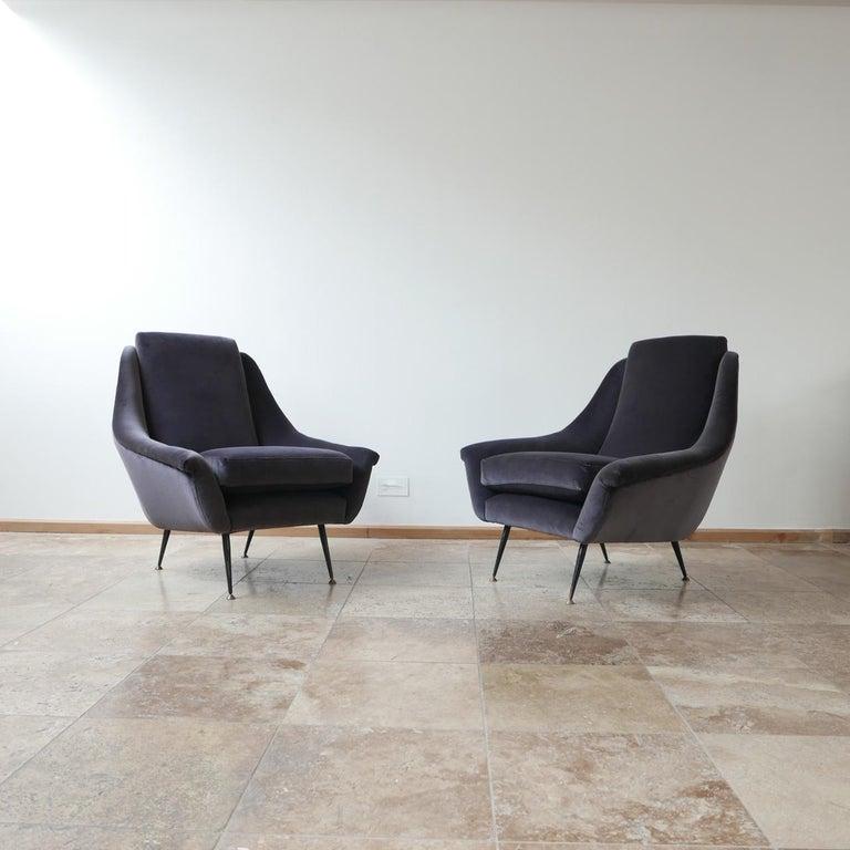 Italian Midcentury Velvet Armchairs For Sale 7