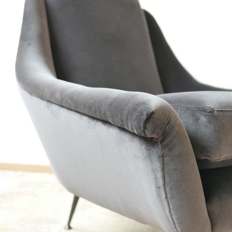 Italian Midcentury Velvet Armchairs For Sale 1