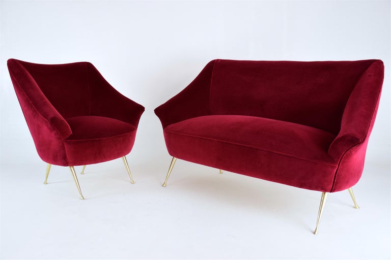 Italian Midcentury Velvet Sofa in the Manner of Ico Parisi, 1950s For Sale 5