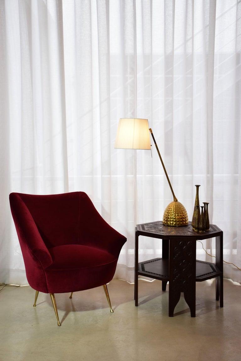 Italian Midcentury Velvet Sofa in the Manner of Ico Parisi, 1950s For Sale 6