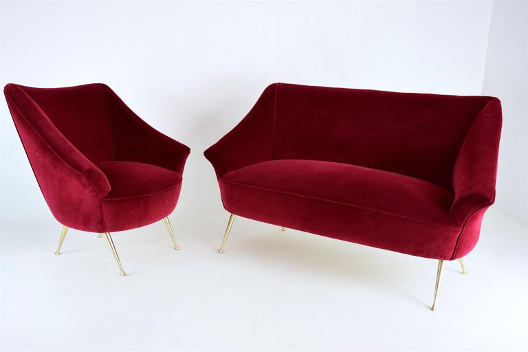 Italian Midcentury Velvet Sofa in the Manner of Ico Parisi, 1950s For Sale 9