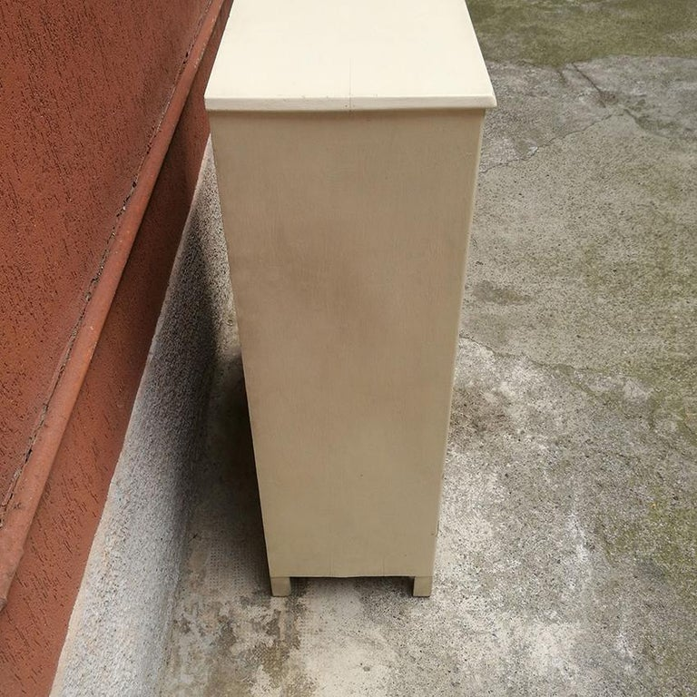 Mid-20th Century Italian Midcentury White Wood Cabinet with Three Shelves, 1940s For Sale