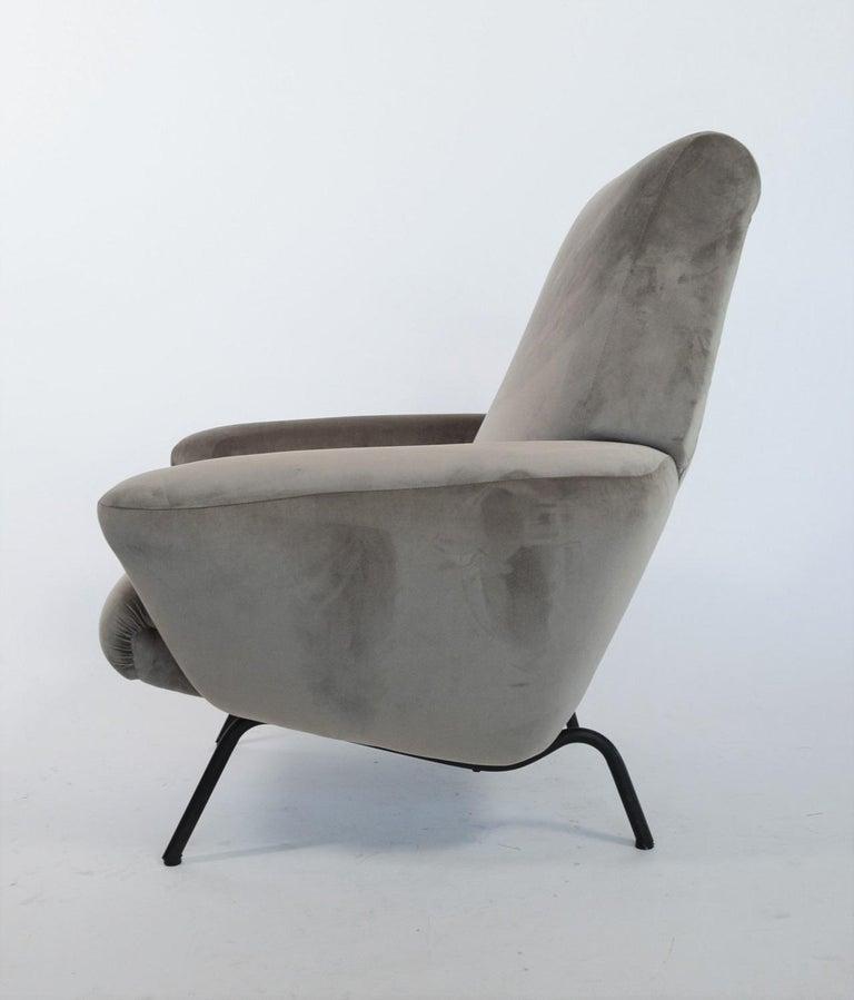 Italian Midcentury Armchair in Grey Soft Velvet by Rossi di Albizzate, 1960s 5