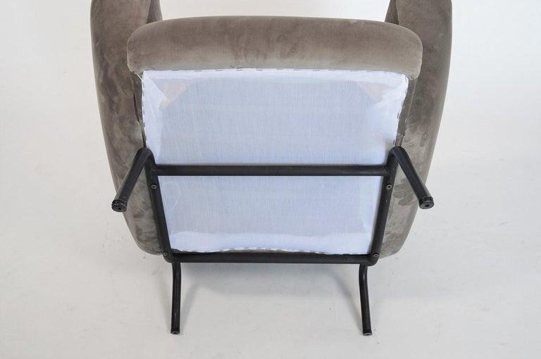 Italian Midcentury Armchair in Grey Soft Velvet by Rossi di Albizzate, 1960s 7