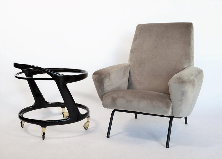 Italian Midcentury Armchair in Grey Soft Velvet by Rossi di Albizzate, 1960s In Good Condition In Clivio, Varese