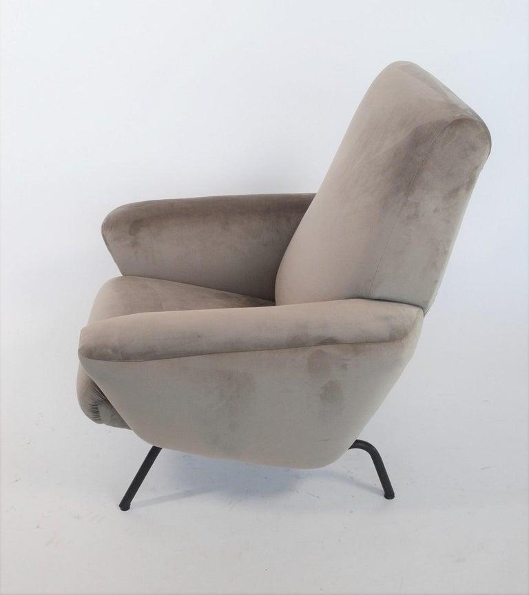 Italian Midcentury Armchair in Grey Soft Velvet by Rossi di Albizzate, 1960s 2