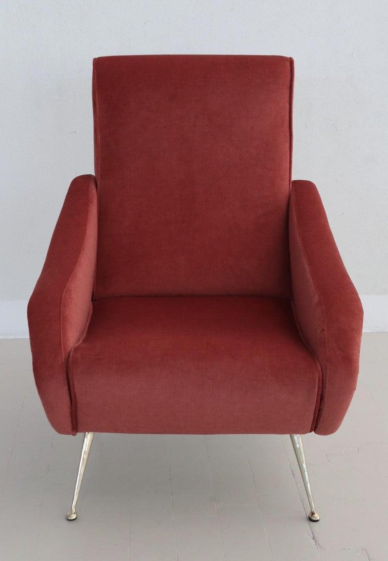 Italian Midcentury Armchair in Lobster Color Velvet and Brass Legs, 1950s For Sale 11
