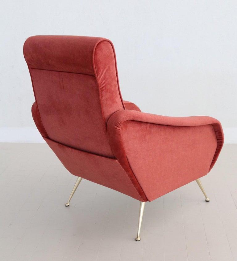 Italian Midcentury Armchair in Lobster Color Velvet and Brass Legs, 1950s For Sale 12