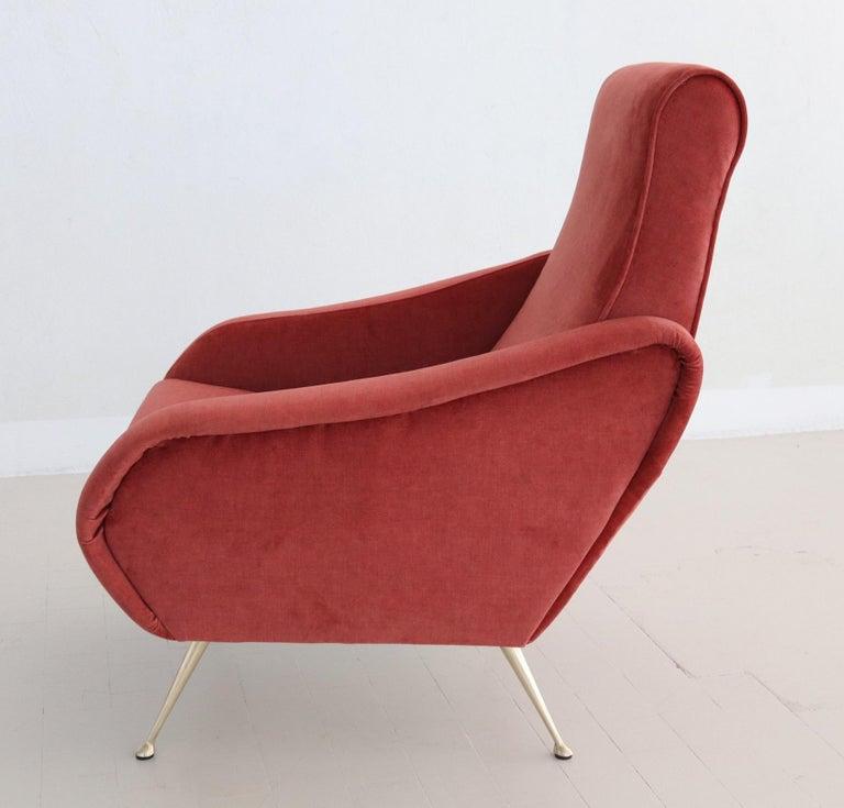 Italian Midcentury Armchair in Lobster Color Velvet and Brass Legs, 1950s For Sale 3