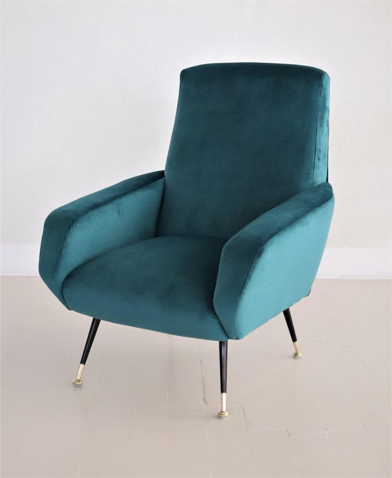 Italian Midcentury Armchair in Petrol Velvet and Brass Feet, 1950s For Sale 7