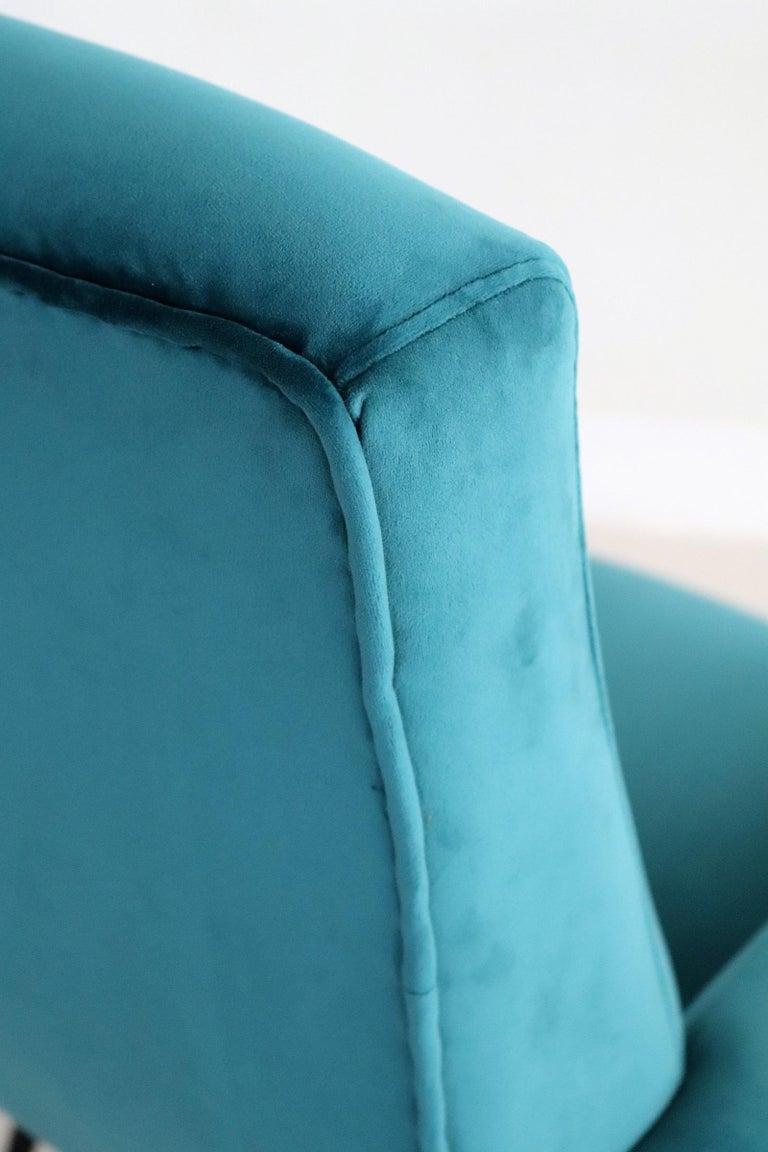 Italian Midcentury Armchair in Petrol Velvet and Brass Feet, 1950s For Sale 2