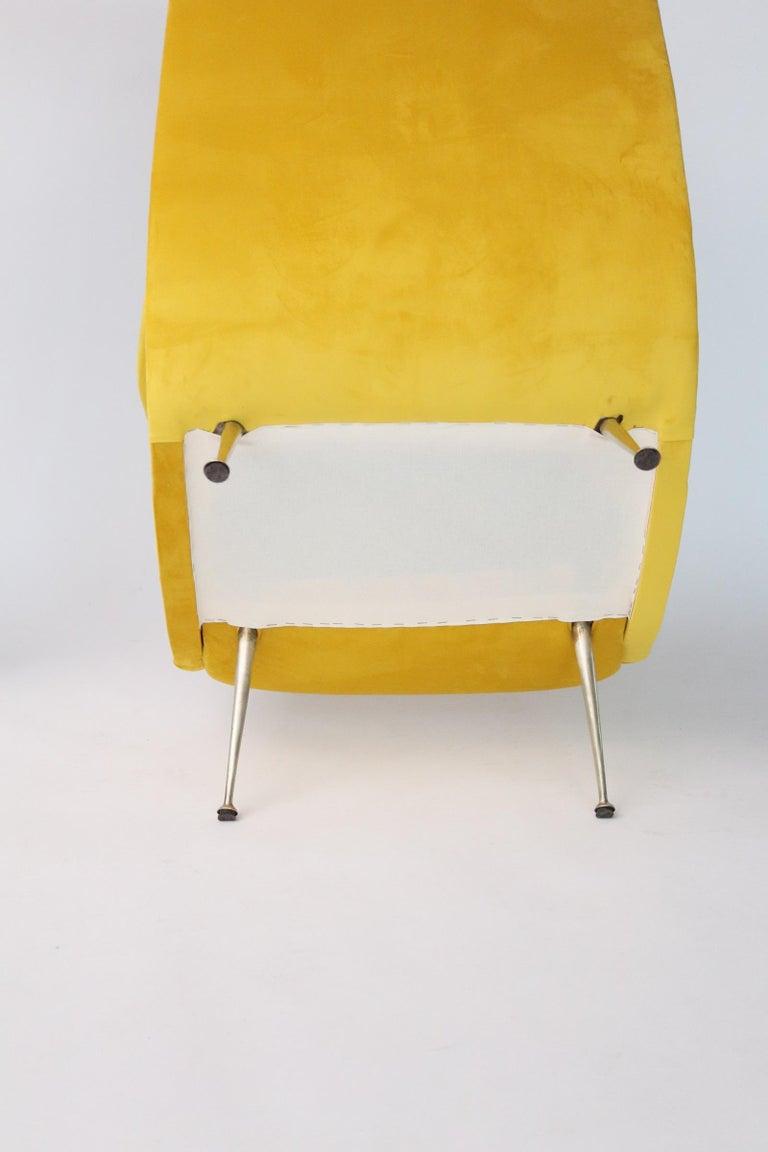 Italian Midcentury Armchair in Sunny Yellow Velvet and Brass Feet, 1950s For Sale 11