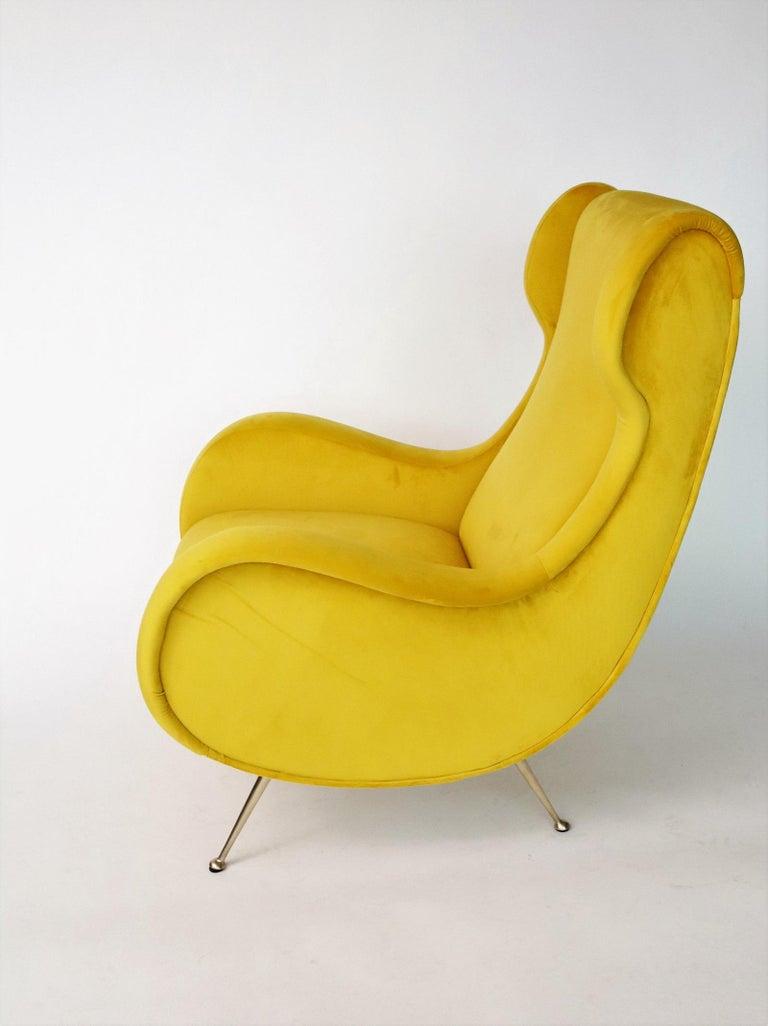 Italian Midcentury Armchair in Sunny Yellow Velvet and Brass Feet, 1950s For Sale 1
