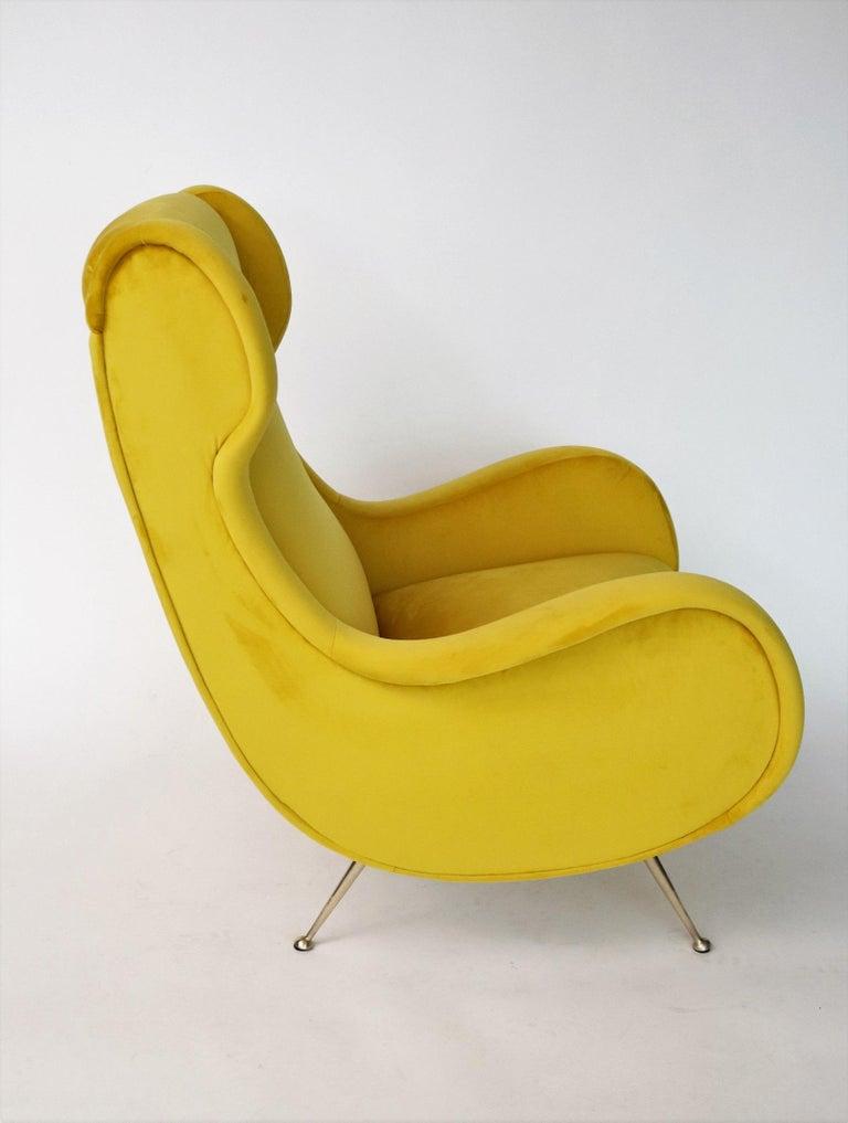 Italian Midcentury Armchair in Sunny Yellow Velvet and Brass Feet, 1950s For Sale 2