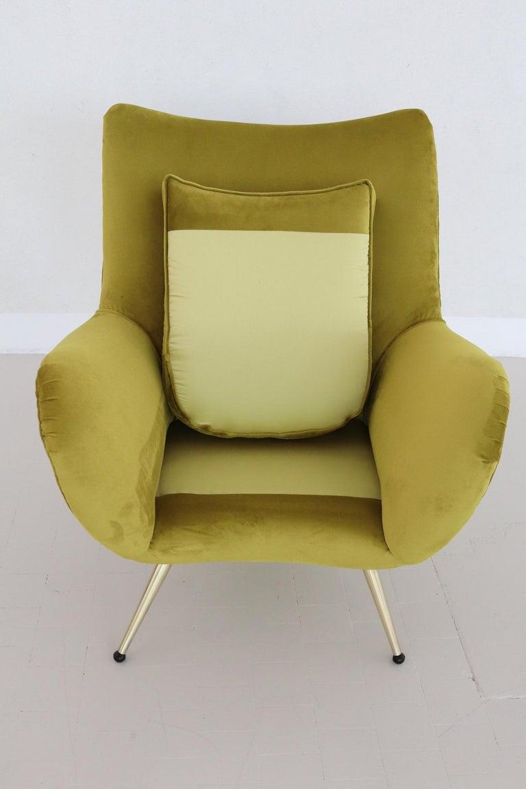 Italian Midcentury Armchair in Velvet and Brass, 1950s For Sale 6