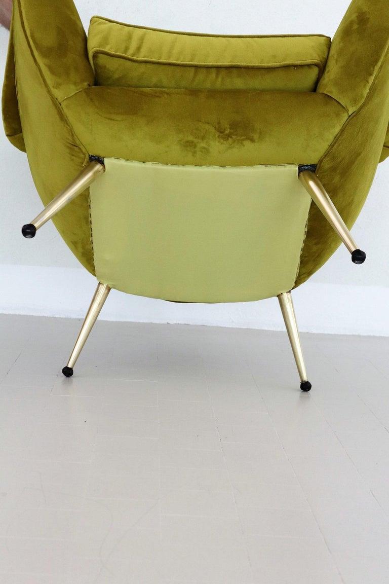 Italian Midcentury Armchair in Velvet and Brass, 1950s For Sale 7